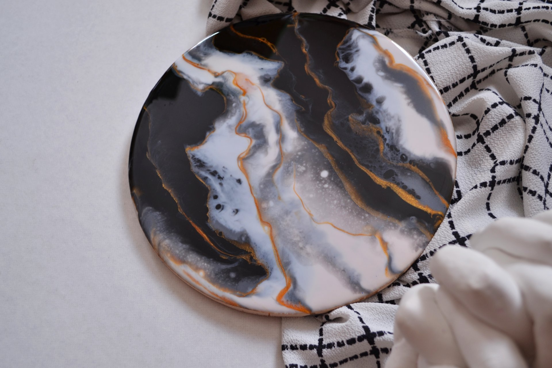Gold in black marble