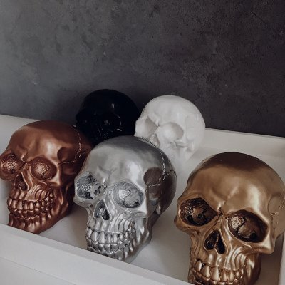 Skull Figurine Mini